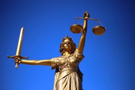 advocaat mishandeling